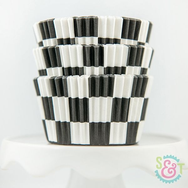 Checkered Cupcake Liners: Black