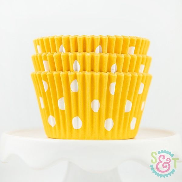 Dot Cupcake Liners: Yellow