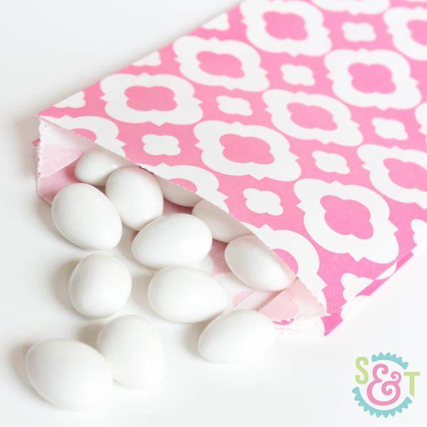 Quatrefoil Goodie Bags: Pink