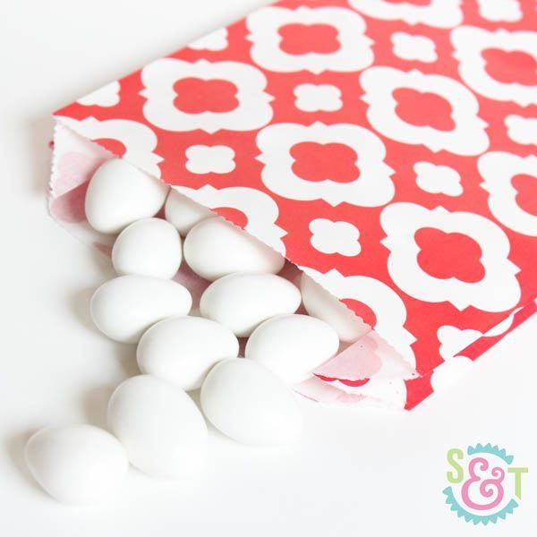 Quatrefoil Goodie Bags: Red