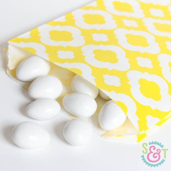 Quatrefoil Goodie Bags: Yellow